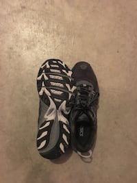 Asics running shoes  Surrey, V3S 9T4