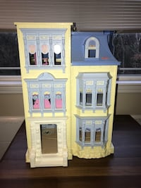 Fisher Price Loving Family doll house with accessories Mount Juliet, 37122