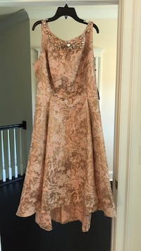 Adrianna Papell Dress    Woodbridge, 22191