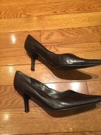 Size 8 stunning chocolate brown leather pumps Oakville, L6J 5Y2