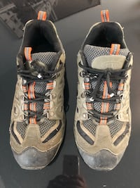 pair of gray-and-black hiking shoes Saint-Eustache, J7P