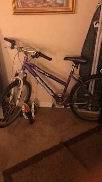 blue and gray hardtail mountain bike Oxon Hill, 20745