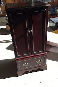 Cabinet furniture- jewelry chest Guilford, 06437