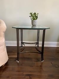 Glass and metal end table Rockville, 20850