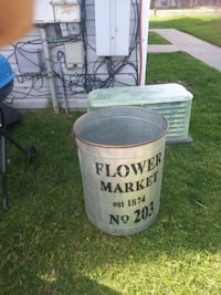 Flower planters Barrel