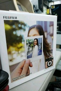 Fujifilm instead square SQ6 brand new. 550 km