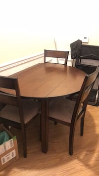 Table and chair set foldable sides fairly used  Gaithersburg, 20877