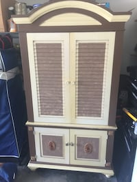 armoire 2 piece can be separated 4 multiple uses Gulfport, 39503