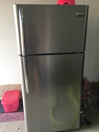 silver top-mount refrigerator Mississauga, L4Z
