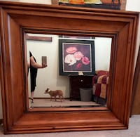 Extra Large New  Broyhill  Wall Mirror. Aprox 4 ft by 4 ft asking $349.  Mirror is heavy Wood by Brohill reduced must go moving $199.  Firm !!! Reduced sell quickly 149. El Paso, 79936