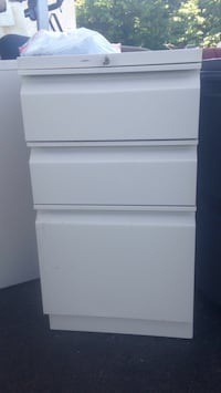 Metal filing cabinets assorted styles and colors.  Bel Alton, 20611
