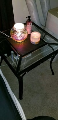 end table with matching coffee table