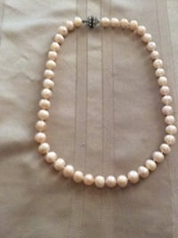 white pearl beaded necklace with lobster lock Madera, 93638