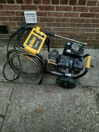 black and yellow DeWalt pressure washer Washington, 20020