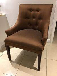 Brown accent chair East Gwillimbury, L0G 1V0