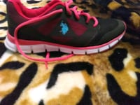 unpaired black and red Nike running shoe Lubbock, 79412