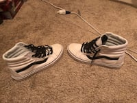 mens size 9.5 black an white high-top vans Winchester, 22601