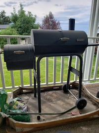 """22"""" 300 Series American Gourmet Offset Charcoal Grill with Smoker Layton"""
