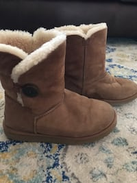 Bailey Button Chesnut Uggs Alexandria, 22304