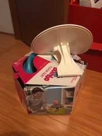 Bumbo chair with feeding/activity tray Vancouver, V5V 4R9
