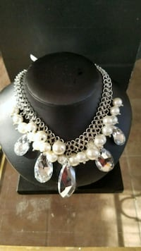 Crystal and Pearl Necklace Woodbridge, 22191