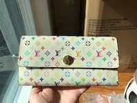 Long wallet like new $80 卡尔加里, T2R 0A2