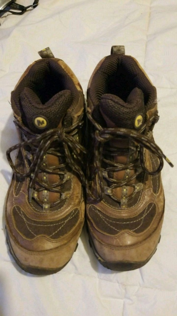 aac83c82 Merrell Hiking Shoes Size 7