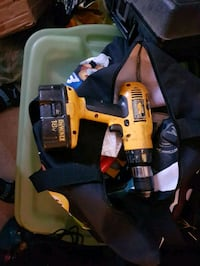 yellow and black DEWALT cordless drill Ottawa, K1Y 1V1