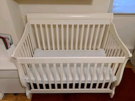 Baby bed - frame and mattress