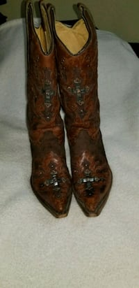 pair of brown leather cowboy boots Pharr, 78577