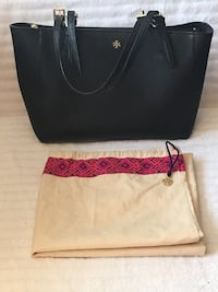 Tory Burch Small York Buckle Tote—Black & Dust Bag 24 km