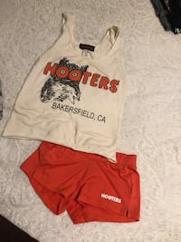Hooters outfit  Bakersfield, 93313