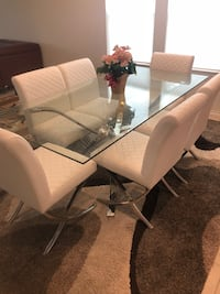 Modern Rectangular glass top table with chairs Anaheim, 92806