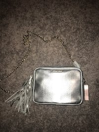 Gray leather crossbody bag with silver chain link bracelet Chicago, 60638