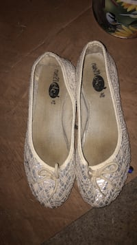 pair of white floral flats Webster, 14580