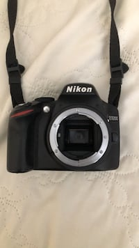Nikon D3200 in excellent condition with extras...