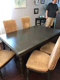 Dining room table, 5 chairs