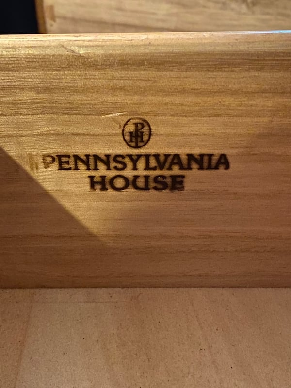Pennsylvania House Dining table, Chairs, and Buffet d618c3c6-fc6a-466d-bbe0-3e7140b7ffe3