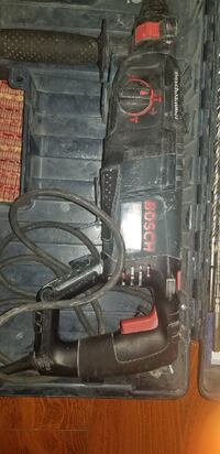 Bosch Rotary Hammer and a few accessories  Laurel