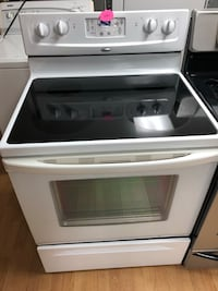 Whirlpool white electric stove  47 km