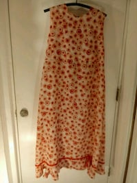 women's red and white floral sleeveless dress Hagerstown, 21740