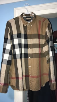 Authentic Burberry Collard Longsleeve  Halton Hills, L0P 1K0