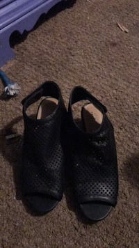 Size 9 black leather booties Clyde, 79510