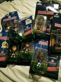 Lot of 24 assorted headliner NBA  figurines. Redding, 96001