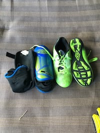 Soccer cleats and shin guards Munger, 48747