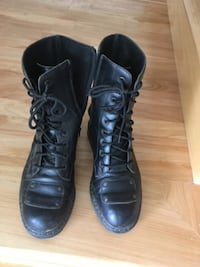 Pair of black leather boots DARTMOUTH