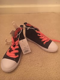 kids size  11 cat and jack sneakers