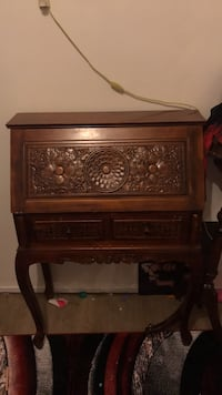 brown wooden 2-drawer nightstand Langley, V2Y 1K5