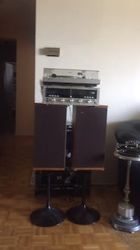 black and gray home theater system Montréal, H4N 2V4