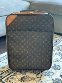 Authentic Louis Vuitton Pegase 45 Carry on luggage Mississauga, L5N 0A2